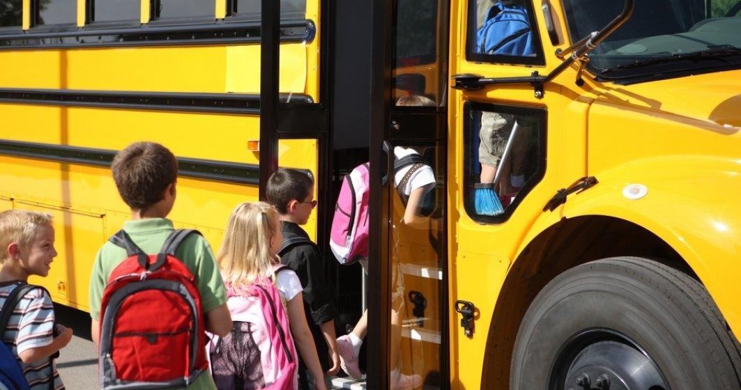 Elevii nu isi pot deconta integral abonamentul de transport! 80% din ei sunt in aceasta situatie