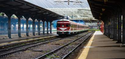 Gafe marca CFR: Un tren a plecat gol în vreme ce pasagerii au rămas pe peron