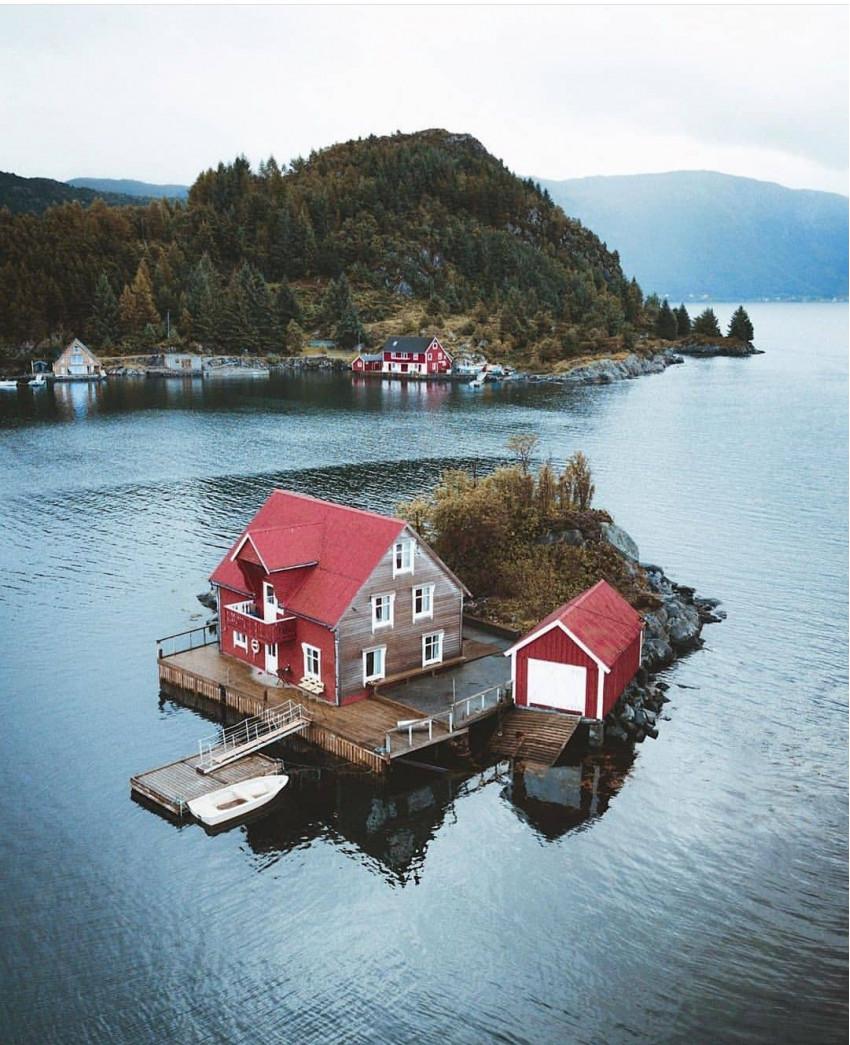 Casa pe stângă 4