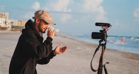 Cum alegi cea mai bună cameră video pentru vlogging