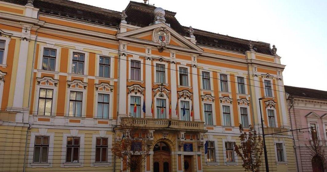 Salarii de invidiat la Primaria Cluj: 3.700 lei un sofer, 3.800 lei un bucatar. Peste 16.000 de lei pentru Emil Boc