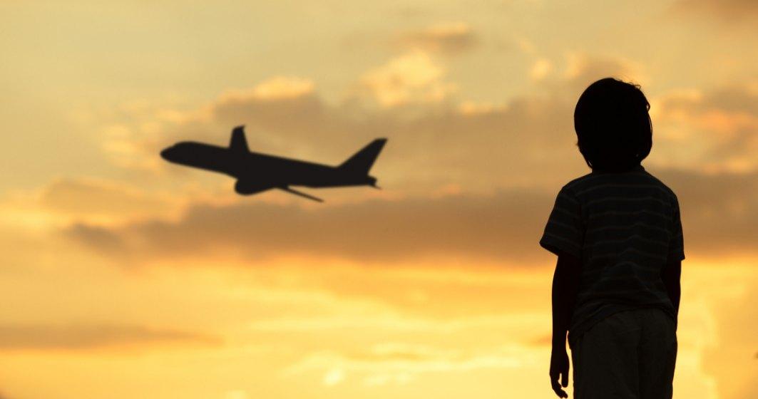 Copiii de acasă ai diasporei. 75.000 de copii au cel puțin un părinte plecat în străinătate