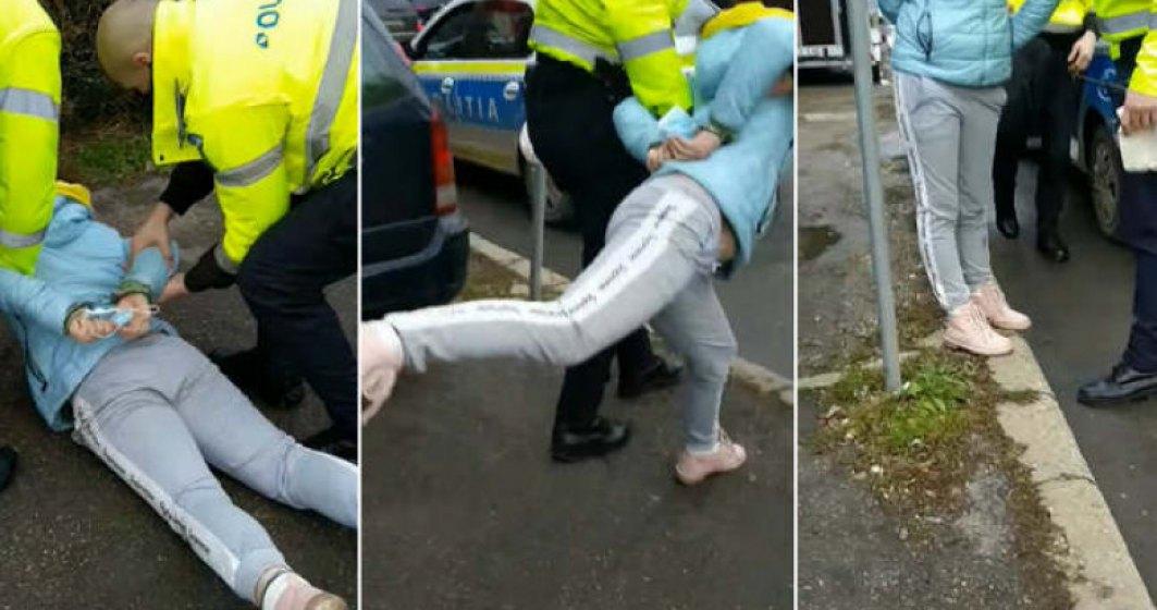 Femeie încătușată după un incident cu oamenii legii care i-au atras atenția că nu poartă masca corect