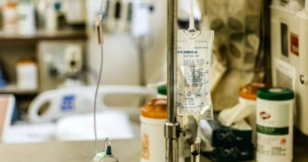 România cere sprijin internaţional pentru gestionarea pandemiei. Cum arată...