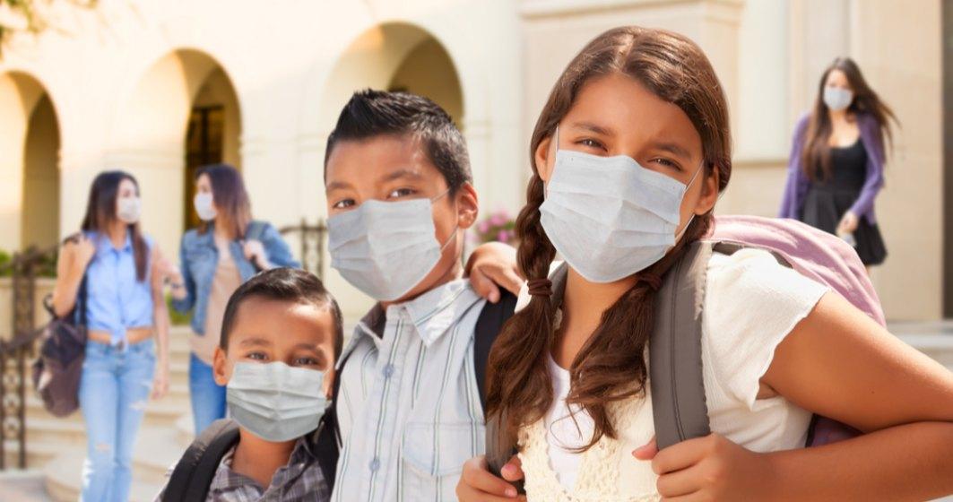 Masca de protecție va trebui purtată pe o rază de 50 de metri de orice școală din Capitală