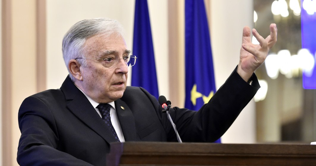 Declaratia de averea a guvernatorului Mugur Isaresscu: ce salariu incaseaza de la BNR si ce pensie are