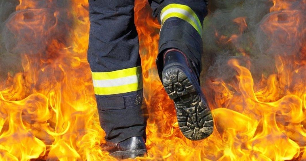 Cercetarile cu privire la incendiul din sectorul 5 sunt desfasurate de Serviciul Investigatii Criminale