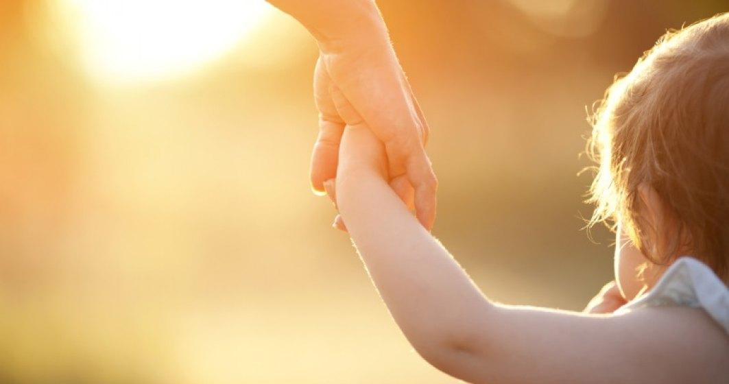 Top indemnizatii pentru cresterea copilului: o romanca ia de la stat 35.000 euro