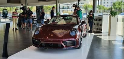 Acesta este noul Porsche 911 Targa 4S Heritage Design Edition din colecția...