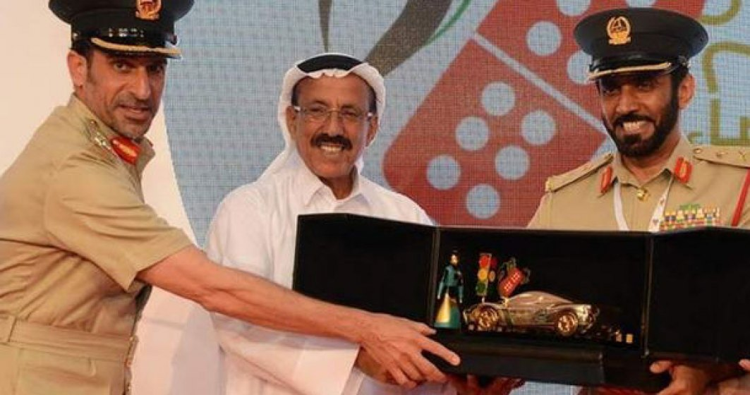Politia din Emirate premiaza cu masini soferii care nu comit contraventii timp de un an