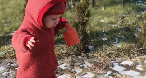 Cum alegem hainele pentru copiii mici?