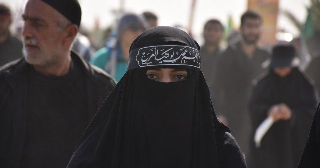 Talibanii s-au răzgândit: le vor lăsa pe fetele din facultățile și liceele afgane să revină la școală