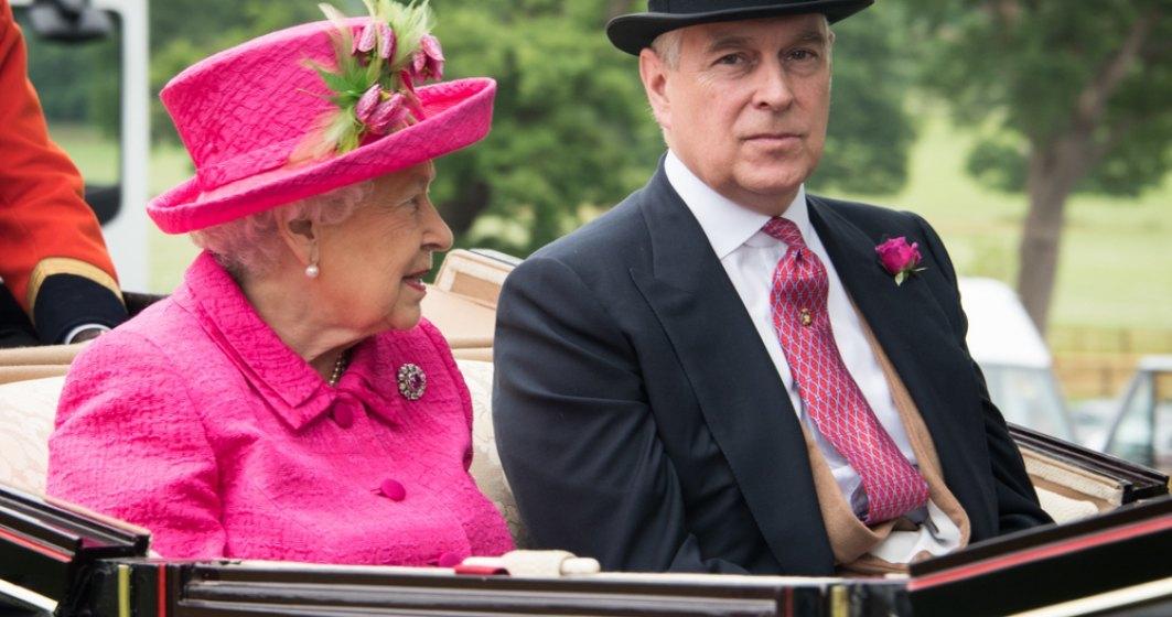Cu ce bucate se delectează regina și membrii familiei regale britanice de sărbători