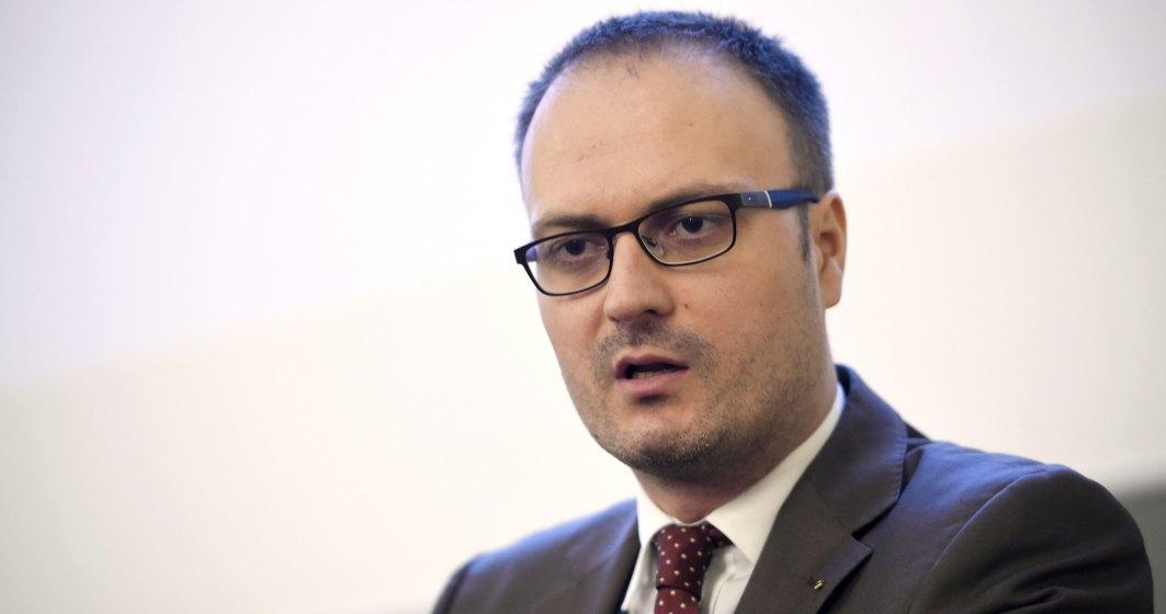 ONG-ul lui Alexandru Cumpanasu a primit un milion de lei pentru trei brosuri copiate din Google si Wikipedia