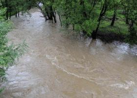 Cîțu: Oamenii afectați de inundații vor primi de mâine bani pentru reconstrucție