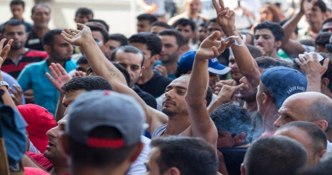 Minerii de la Lupeni aduna semnaturi pentru demiterea conducerii CEH si vor sa continue protestul in curtea Complexului