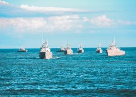 Două nave americane au fost vândute la fier vechi pentru doar un cent
