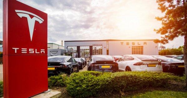 TRANZACȚIE Panasonic și-a vândut participația deținută la Tesla cu 3,88 mld....