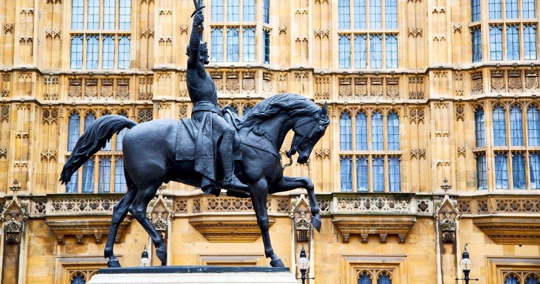 Primarul Londrei anunţă verificarea tuturor statuilor din oraș cu trecut dubios