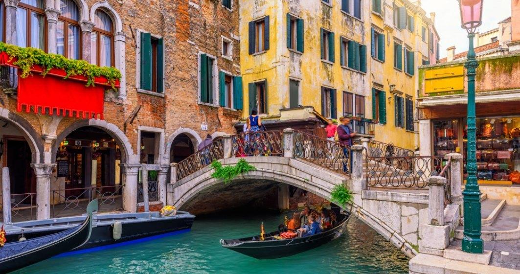 Premierul Giuseppe Conte le promite italienilor că își vor putea petrece concediile în afara locuințelor