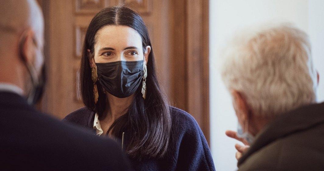 Clotilde Armand amenință să rezilieze contractul cu Romprest dacă nu-și mai face treaba
