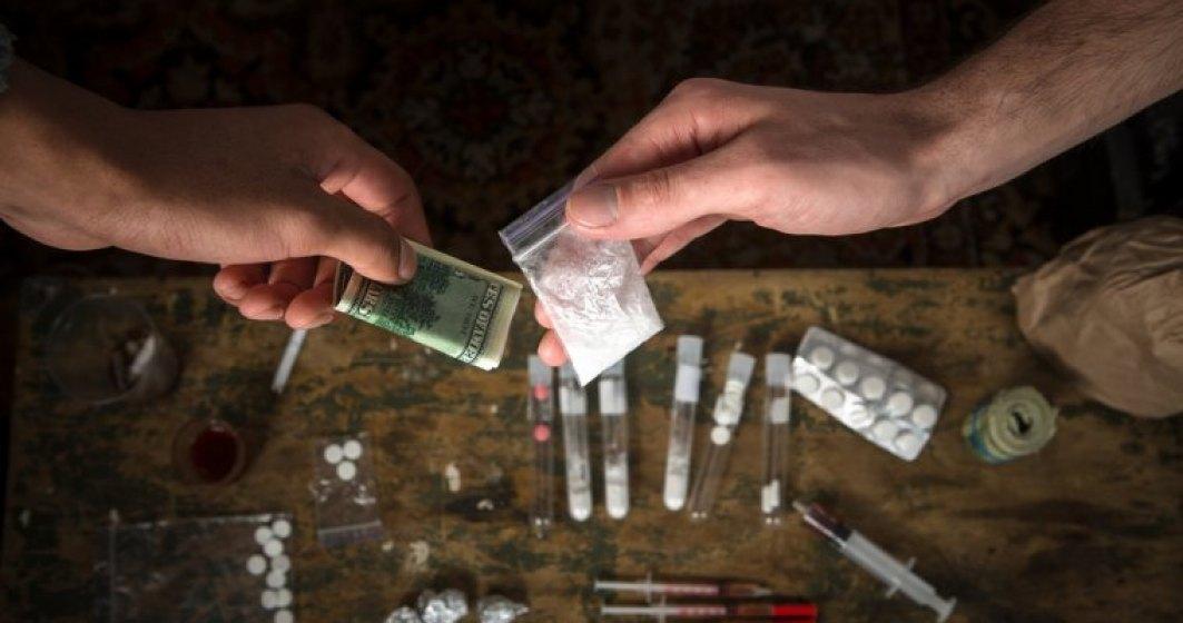 Medic: Un novice care consuma droguri de pe litoral ar putea muri subit