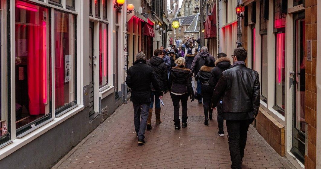 Olanda, cozi uriașe pentru cannabis și hașiș. Școlile, barurile și restaurantele sunt închise