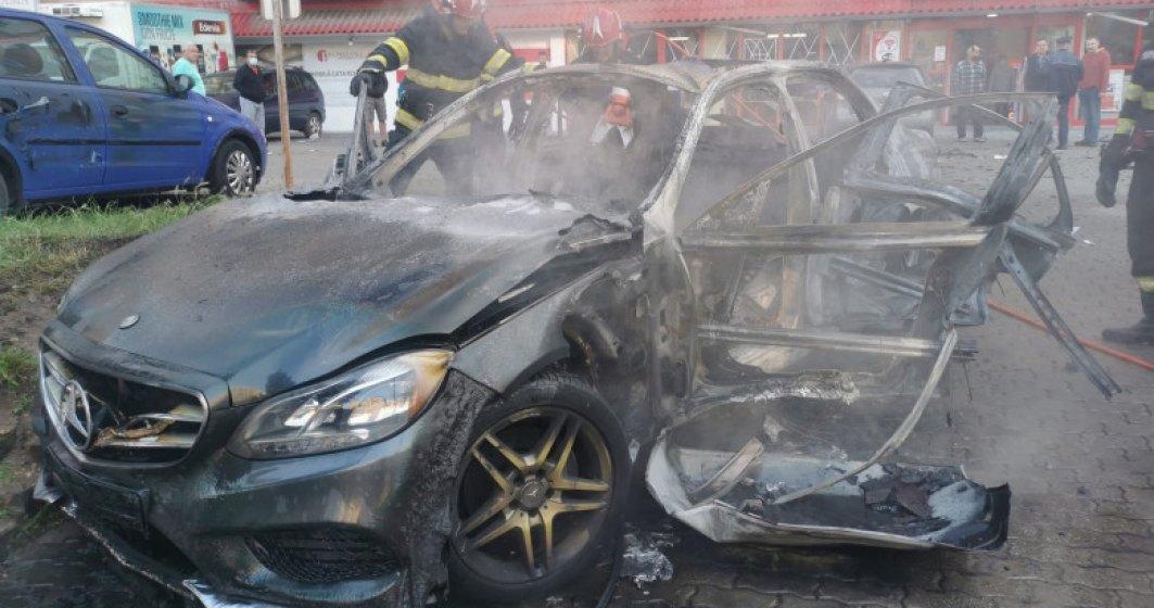 Mașina unui om de afaceri din Arad a sărit în aer în această dimineață
