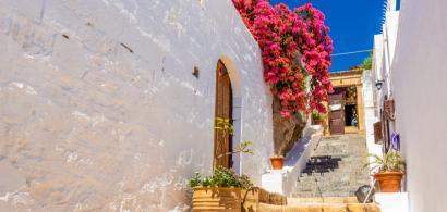 Ce se va întâmpla cu turiștii români dacă Grecia intră în zona roșie