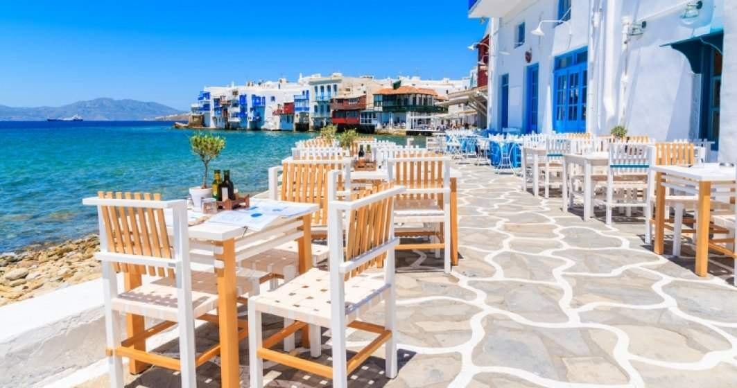 Grecia va crea spaţii exclusive pentru persoanele vaccinate împotriva COVID-19