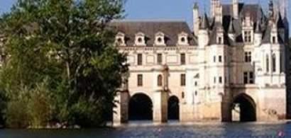 Cate o noapte in fiecare castel, Valea Loirei