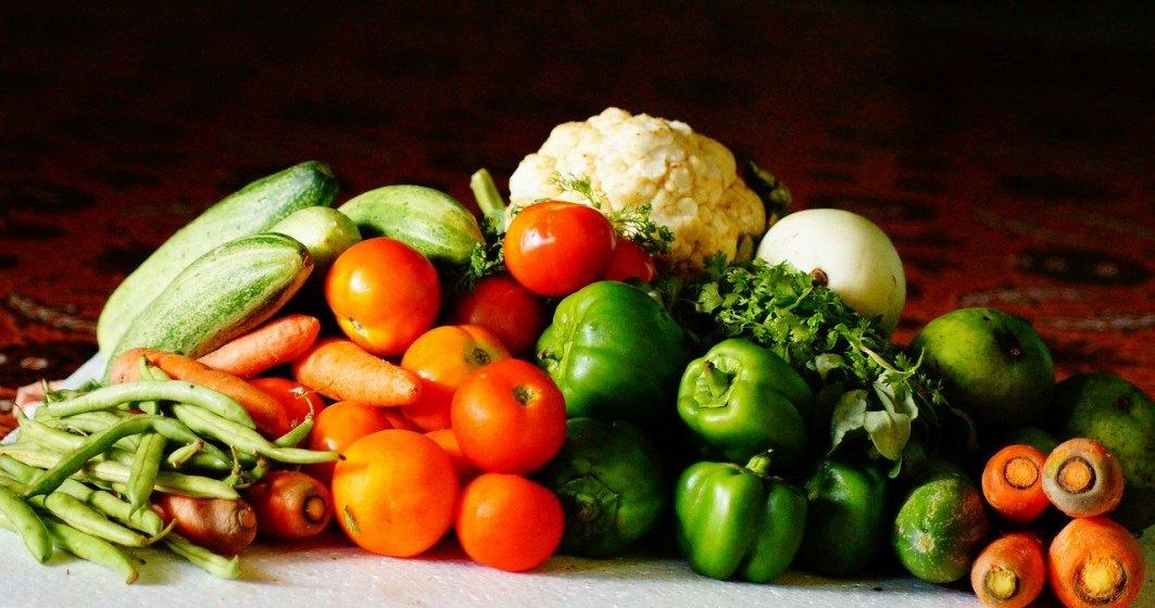 Doi locuitori din Avrig au ieșit din izolare și au mers la piața să vândă legume și fructe. Procurorii au deschis dosar penal