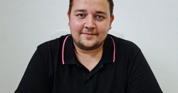 """Bogdan Berko, stomatologul care tratează gratuit toți copiii din oraș: """"Eu nu..."""