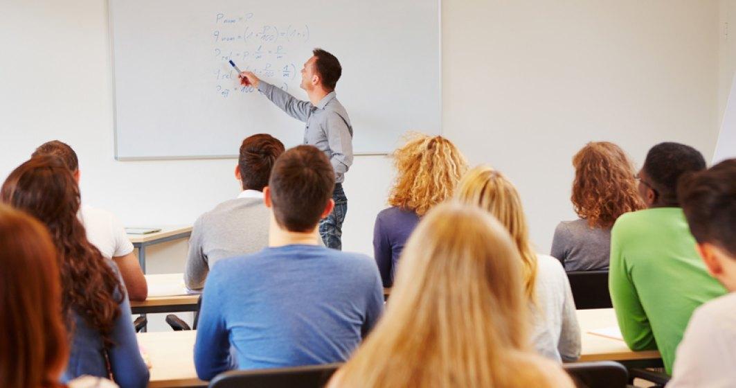 Profesorii s-ar putea pensiona anticipat daca au 30 de ani vechime. Ministerul Muncii nu este de acord