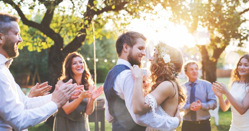 """Lege: Căsătoria civilă se va putea încheia și în grădini publice, parcuri, muzee sau """"locuri în aer liber"""""""