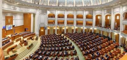 Mai mulți foști parlamentari încearcă să își recupereze pensiile speciale:...