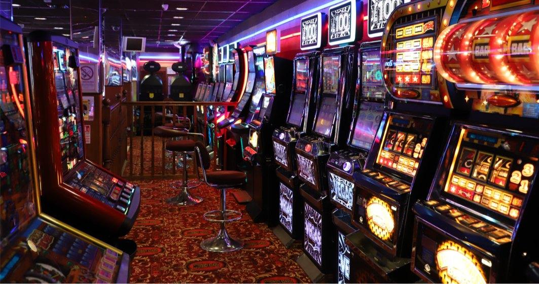 """Operator de jocuri de noroc: Nu sunt """"pacanele"""". Costa cat o masina si sunt bazate pe tehnologie!"""