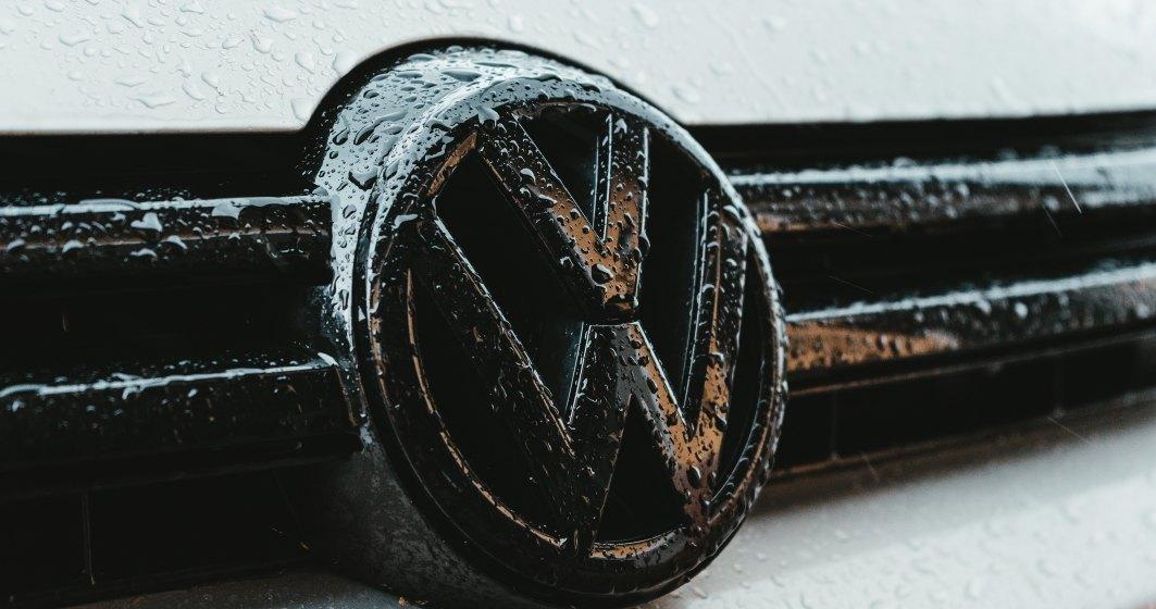 Volkswagen a oprit livrările de Golf 8 după o problemă la sistemul care apelează automat serviciul de urgenţă