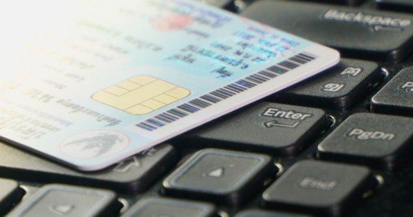 Cărți de identitate electronică în România: unde se emit primele buletine