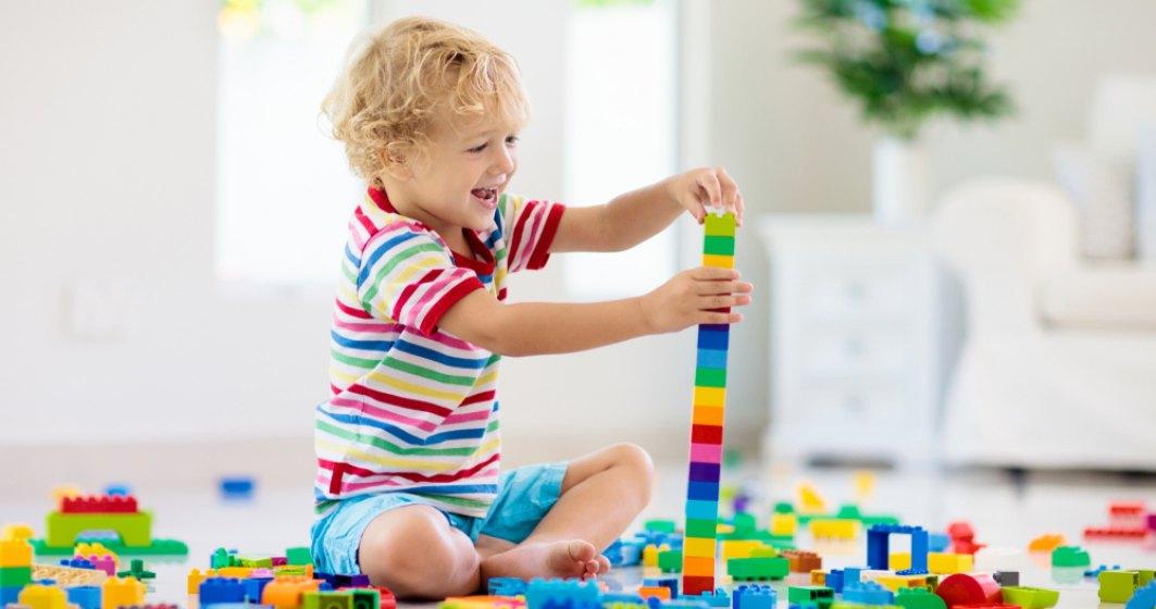 Pretul zambetului unui copil: cat costa jucariile in Romania