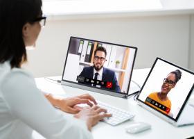 """Raport HP: Munca hibrid, de acasă și de la birou, este o """"bombă cu ceas""""..."""