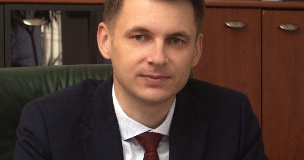 Secretarul adjunct al Guvernului: Funcționarii prefecturilor au cele mai mici salarii din administrație