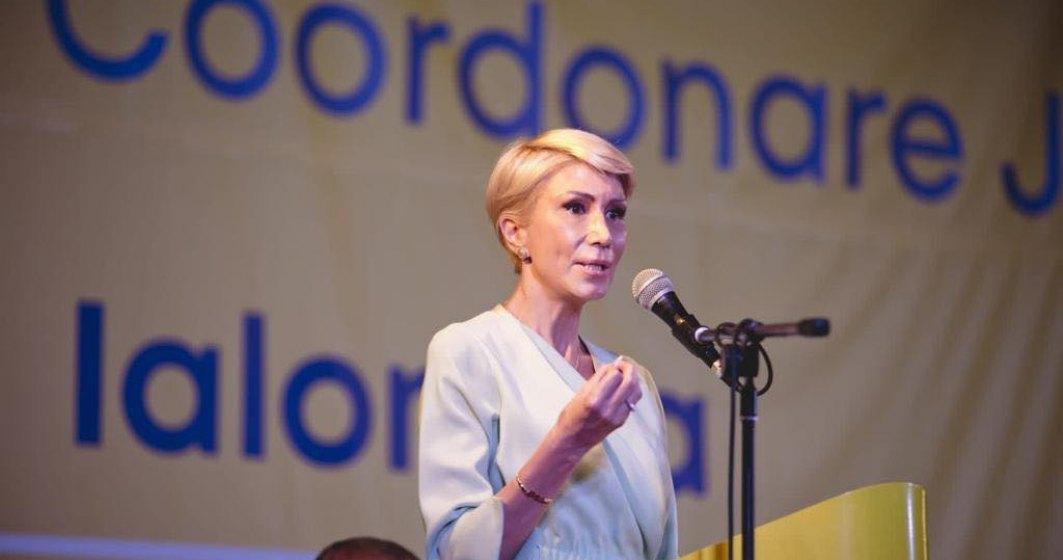 """Se întâmplă și la case mai mari: Raluca Turcan a urat """"la mulți ani"""" unui baron care a decedat"""
