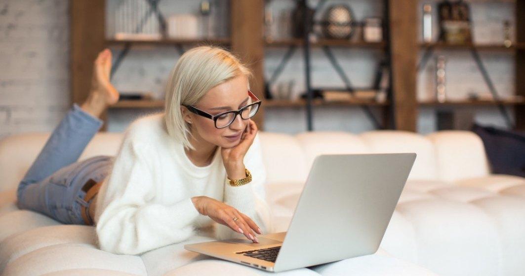 Studiu: Angajații care lucrează de acasă apreciază faptul că economisesc timp și bani, dar spun că le lipsește interacțiunea cu colegii