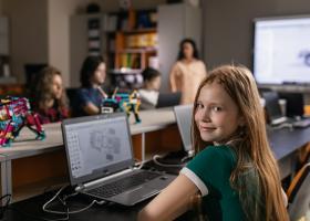 Modelul flip education, o soluție pentru criza din educație. Investiție de...