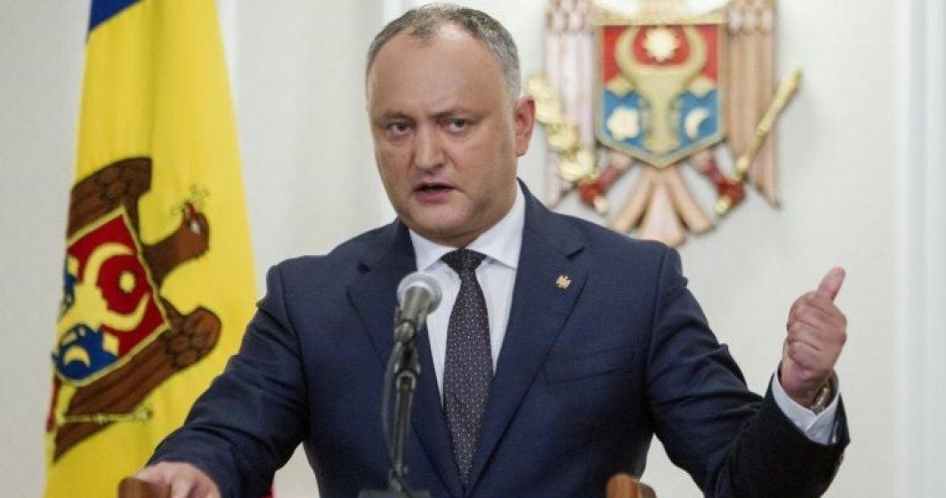 Președintele Igor Dodon se teme că românii din Italia vor veni acasă prin Chișinău
