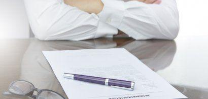 Cu demisia pe masă. Cum să-ți faci CV-ul dacă vrei să-ți schimbi cariera