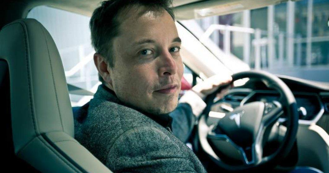 Elon Musk ia peste 1 miliard de dolari de la bancile chineze pentru fabrica Tesla din Shanghai