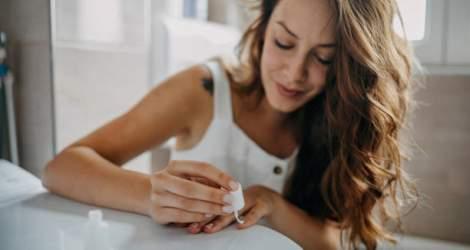 Produse moderne pentru îngrijirea unghiilor