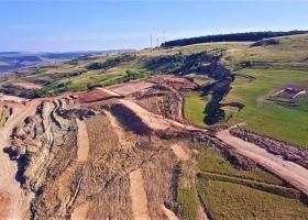 VIDEO | O alunecare de teren masivă a avut loc pe Autostrada Transilvania,...